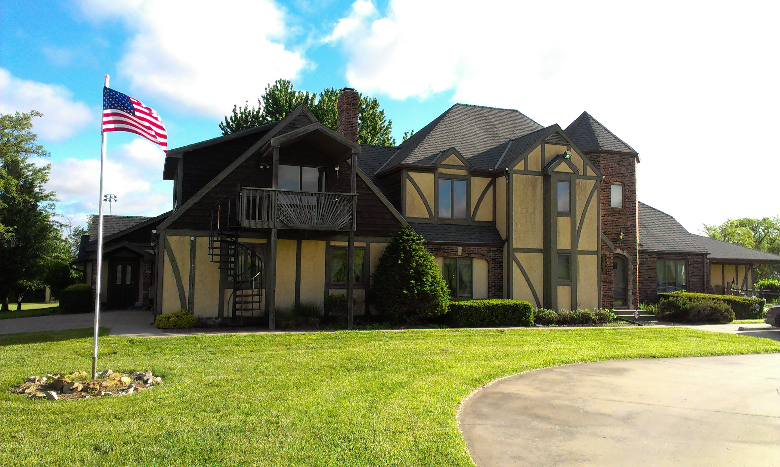Midland Care at Linnwood Park is a historic home situated on beautiful Kansas prairie in Valley Falls, Kansas.